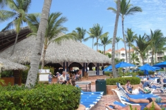 barcelo-punta-cana-poolbereich_2439