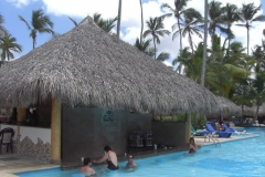 grand-palladium-punta-cana-poolbar_3718