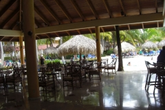 grand-palladium-punta-cana-poolbar_3713