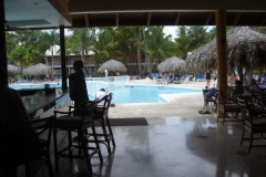 grand-palladium-punta-cana-poolbar_3716